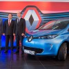 """""""شيفت"""" أول شركة لتأجير السيارات تستخدم سيارات رينو الكهربائية من العربية السيارات"""