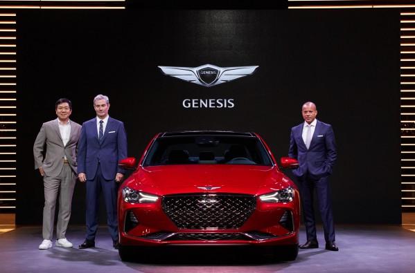 جينيسيس تكشف عن طرازها الجديد G70 عبر منصة معرض دبي الدولي للسيارات
