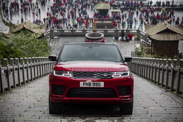 رينج روڤر سبورت أول سيارة رياضية متعددة الاستخدامات تصل إلى بوابة السماء في الصين