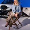 """الممثلة الأستراليةوسفيرة """"نيسان"""" للسيارات الكهربائية """"مارجوت روبي""""تعلن عنكشف تصميم نموذج اختباري لسيارةسباق""""فورمولا إي"""" خلال معرض جنيف للسيارات"""