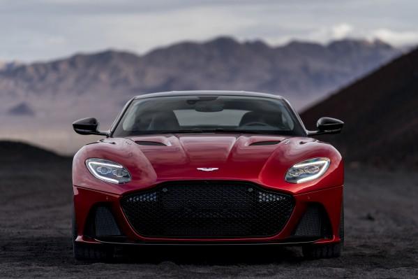 DBS Superleggera الجديدة: اسمان عريقان يمتزجان في سيارة Super GT تتجاوز حدود المألوف