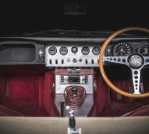 """""""جاكوار لاند روڤر كلاسيك"""" تطرح نظام معلومات وترفيه جديداً لسياراتها الكلاسيكية"""