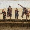 """""""تحدّي الوحل من دو"""" – منافسة تخطي الحواجز الشهيرة عالمياً تعود إلى دبي في ديسمبر"""