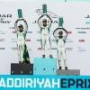 سيمون إيفانز يحصد المركز الأول في أول سباقات بطولة السيارات الكهربائية جاكوار I-PACE eTROPHY
