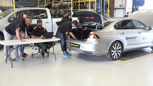 'كونتيننتال' تطلق أول مركبة بدون سائق لاختبار الإطارات