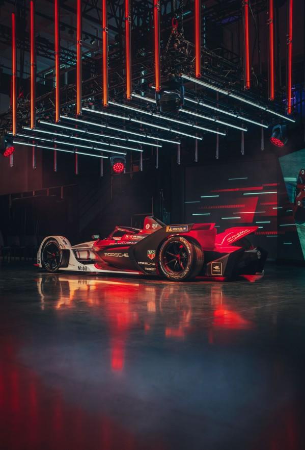 سيارة بورشه 99X Electric تدخل موسمها الأول للفورمولا إي