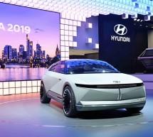 ترسم بعراقة إرثها ملامح مستقبل التنقل  هيونداي تكشف عن المركبة النموذجية الكهربائية 45 EV