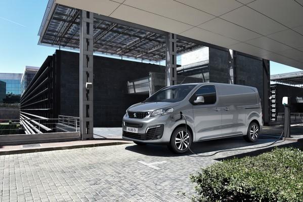 'بيجو e-EXPERT ' الجديدة: تجسيد للخبرات في مجال السيارات الكهربائية