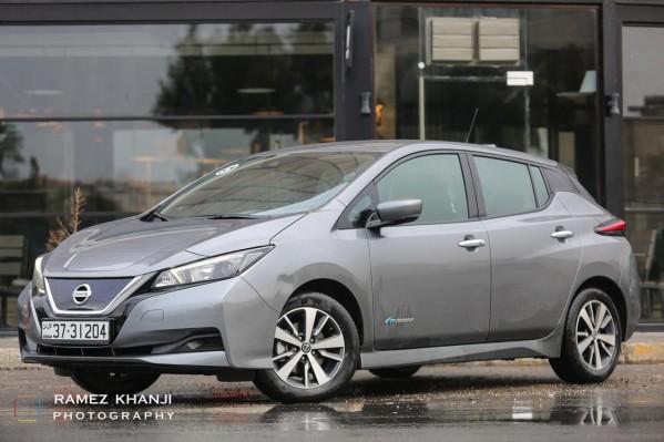 مستقبل السيارات الكهربائية مع نيسان ليف.. يمكن للبطارية الجديدة المصنوعة من الليثيوم-إيون تزويد ليف بطاقة تكفي لقطع 378 كلم حسب معايير دورة القيادة الأوروبية الجديدة NEDC