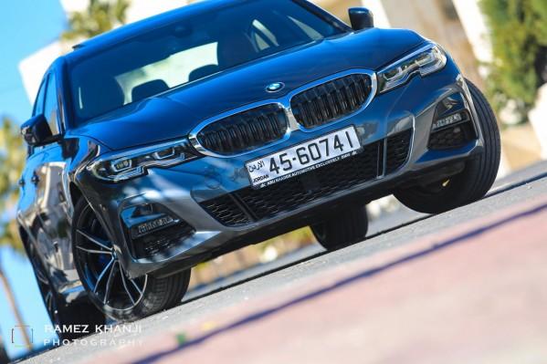 BMW الفئة الثالثة 330e الهجينة الجديدة كلياً تقدم لك 292 حصاناً تحت تصرفك !!