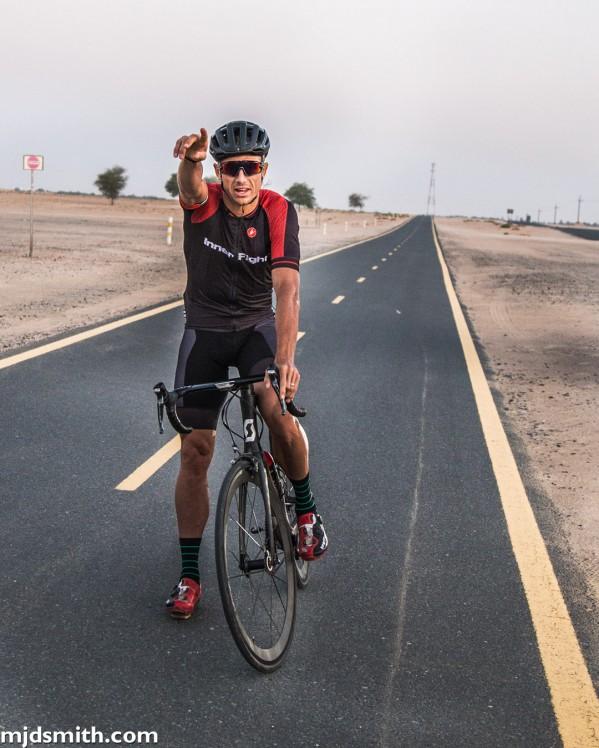 """رياضي مقيم في دبي يضع نصب عينيه تسجيل رقم قياسي  في سباق الدراجات الهوائية """"بايكينغ مان"""""""