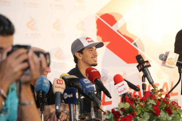 الفيصل الزُبير يُطلق برنامجه الرياضي لموسم2019من الأردن