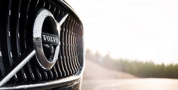 """""""فولفو للسيارات"""" و""""بايدو"""" توحدان جهودهما لتطوير وتصنيع سيارات ذاتية القيادة"""