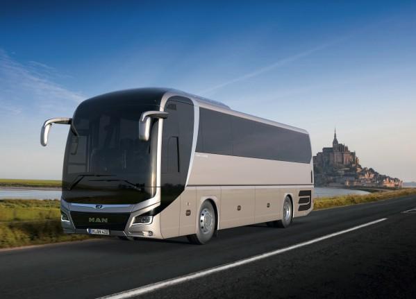 """""""مان للشاحنات والحافلات"""" تسلم 80 حافلة """"ليون"""" جديدة في المملكة العربية السعودية"""