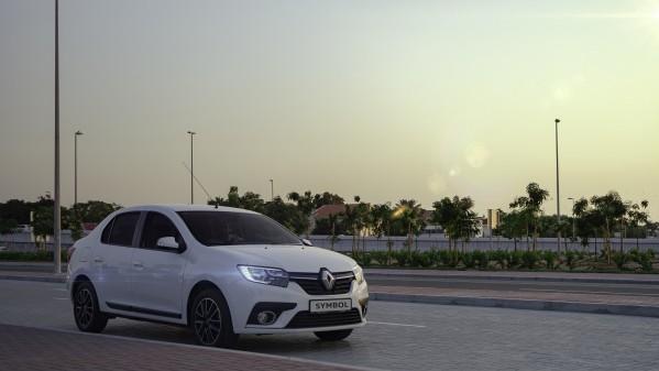"""رينو من العربية للسيارات تدعوك للانطلاق بأناقة مع سيارة """"سيمبول"""" في رمضان"""