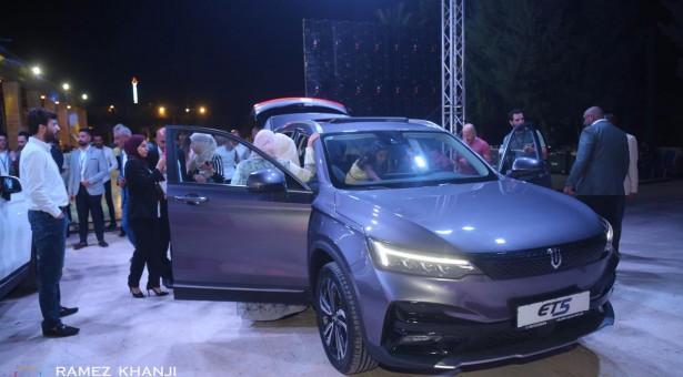 شركة صخور الشرق للمعدات الإنشائية تطلق سيارتها الكهربائية SKYWELL ET5